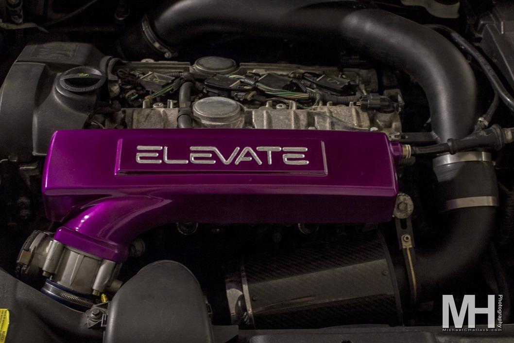 2006 Volvo V50 Engine bay