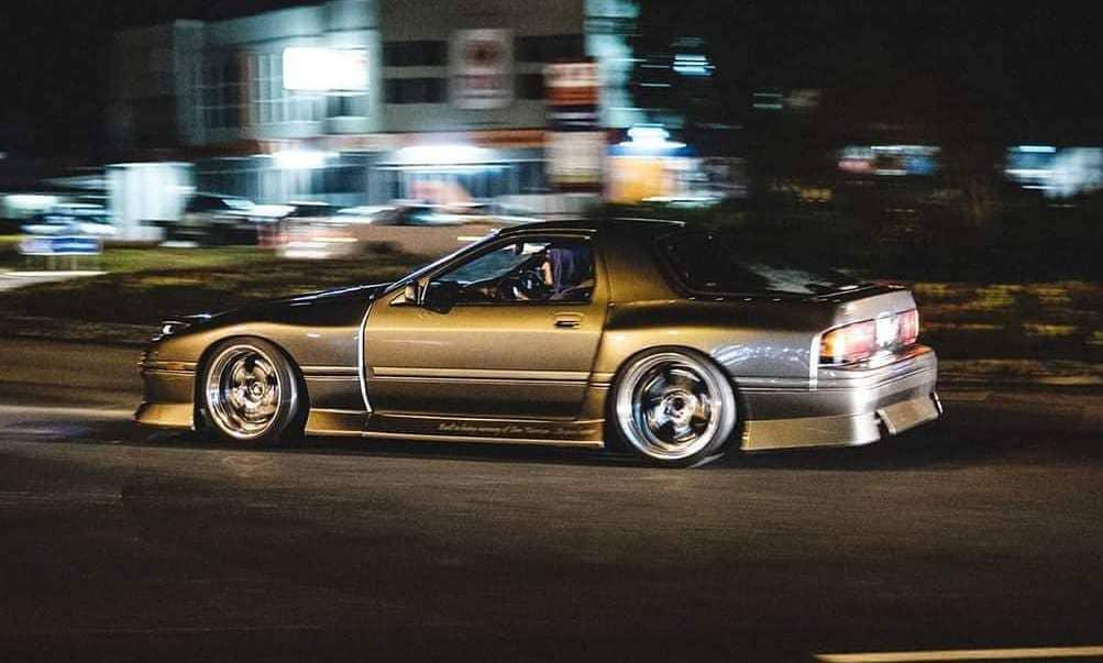 Modded 1987 Mazda RX7 FC3S