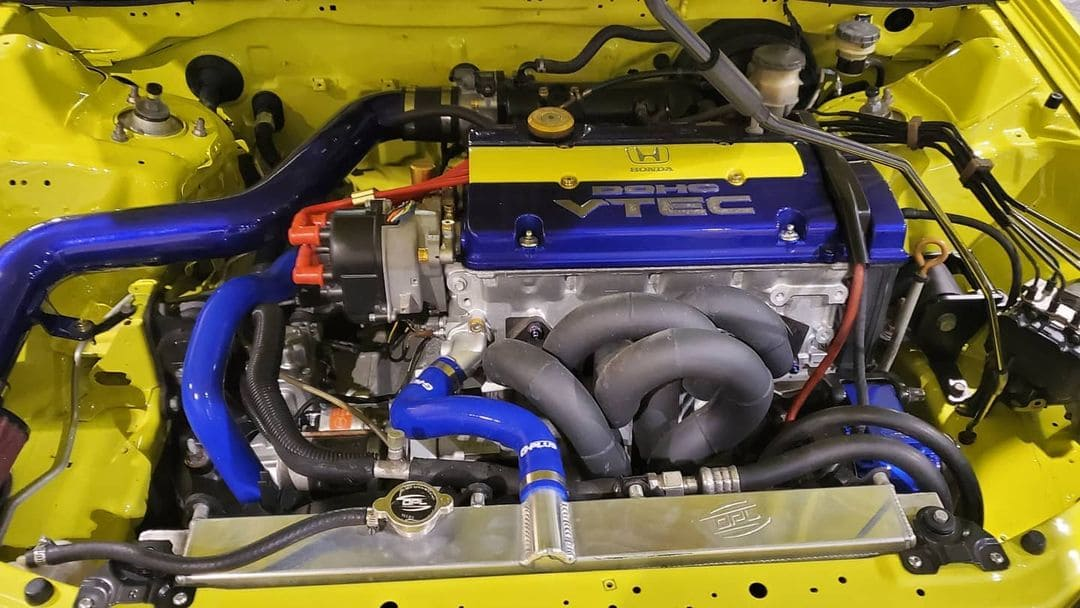 1997 Honda Prelude Engine bay