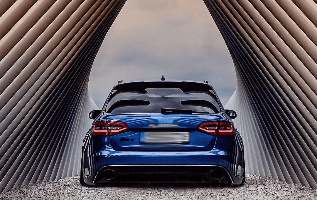2016 Audi RS4 Rear End