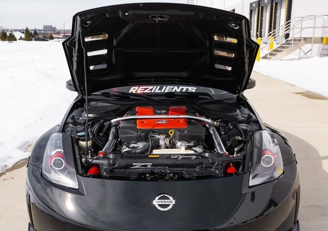 Nissan 350z Nismo Engine bay