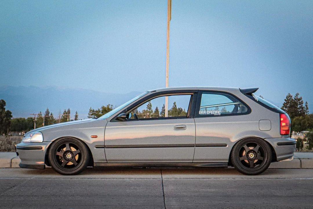 Lowered Honda Civic Hatchback