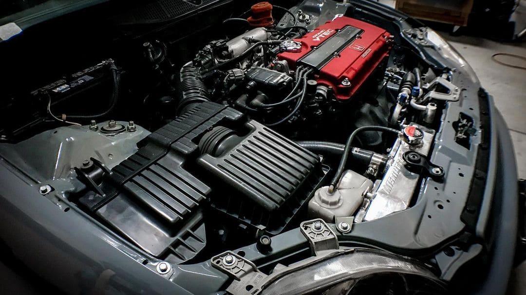 Honda Civic Engine bay