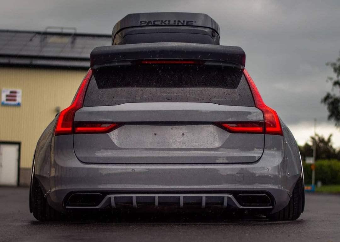Volvo V90 rear end