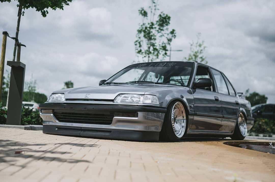 Custom 1990 Honda Civic