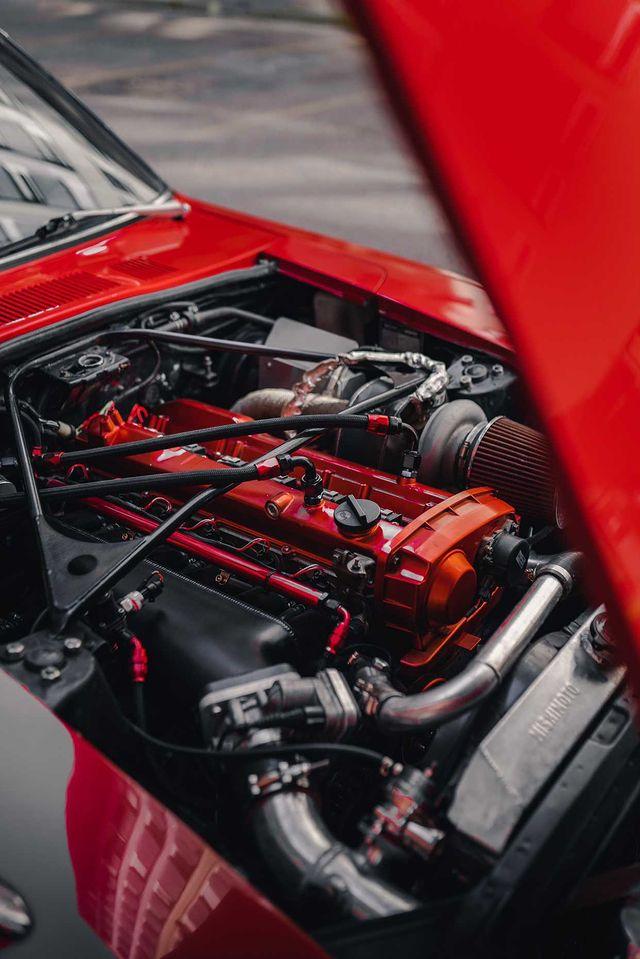1975 Datsun 280z Engine bay