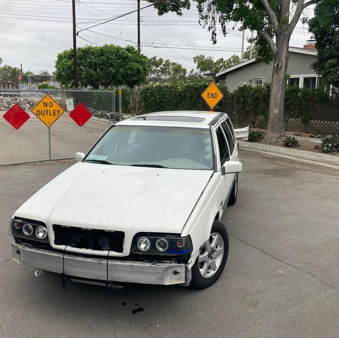Volvo V70XC AWD Front End